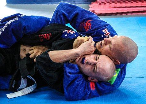 【実体験】柔術の青帯を取れるまでの期間・練習量:白帯の初心者がやるべきこと