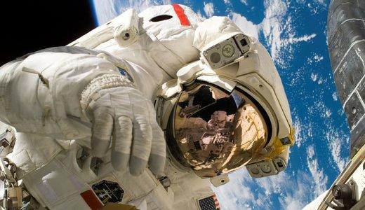 ドキュメント宇宙飛行士選抜試験の読書感想:宇宙飛行士の素質とは決してあきらめずに他人を思いやる人間力