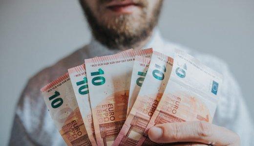 1日500円を楽な副業で稼ぐ、サラリーマンにお勧めの方法【毎月1万5千円増える】