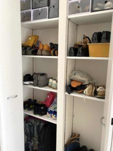 空きスペースだらけの靴棚